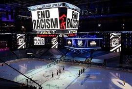 Rasistický hokej: Puk je černý a všichni do něj tlučou! A proč raději neobarvit na…