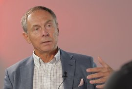 Ekonom Švejnar: Jsme v daleko větší krizi, než si myslíte, vláda se dost nepřipravila a…