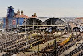 Slepá kolej, nebo dráha budoucnosti? Češi jezdí vlakem víc než kdykoli předtím. Úroveň…