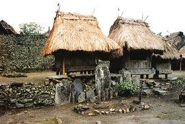 Živé skanzeny Indonésie: Návštěva tradičních vesniček na ostrovech Sumbawa a Flores