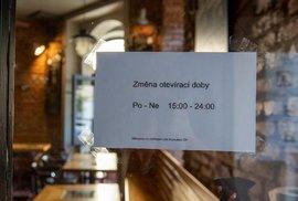 Bary a restaurace mají opětovně nastavenou jinou otevírací dobu. Podle ministra Havlíčka ale neplánuje stopnout ekonomiku
