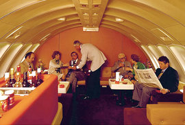 V 50. -70. letech minulého století zažívaly letecké společnosti velký boom.