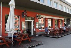 V Břevnově již dvacet let funguje restaurace Nad Alejí.