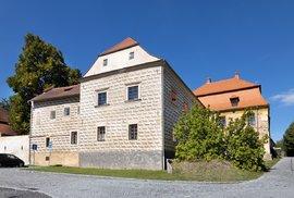 Zámek a Muzeum Josefa Dobrovského, Chudenice