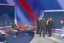 Dvojí metr v ČR: Politici si myslí, že když je nikdo nevidí, nemusí nosit roušku v pořadu