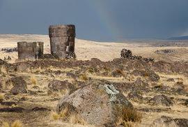U peruánského jezera Abacho pochovávala starobylá indiánská kultura své mrtvé do…