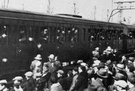Italští vojáci během odjezdu do bojů