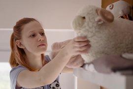 Filmy a seriály, které letos bojují o České lvy a můžete je vidět online