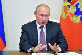 Rusko jako odvetu vyhostí 20 českých diplomatů. Situaci bude řešit krizový štáb