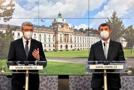 Ministr dopravy, průmyslu a obchodu Karel Havlíček (za ANO) a premiér Andrej Babiš (ANO) na tiskové konferenci po jednání vlády ohledně dalších opatření proti šíření koronaviru (21.10.2020)