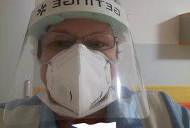 Zdravotní sestra Jana Březinová, kterou ocenil prezident Miloš Zeman Medailí Za hrdinství