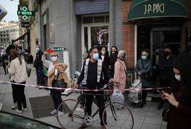 Útok v Nice: Lidé se vydali do ulic kvůli teroristickému činu v kostele (29.10.2020)