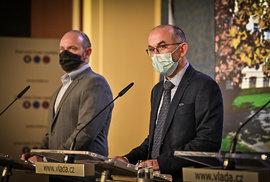 Tisková konference po jednání vlády: ministr školství Robert Plaga a ministr zdravotnictví Jan Blatný