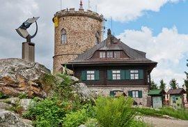 Výšlap na Kleť za nejstarší kamennou rozhlednou v Česku a další zajímavosti v Blanském lese