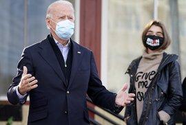 Bývalý viceprezident a kandidát Demokratů na americkou hlavu státu Joe Biden mezi svými příznivci v Pensylvánii (3. 11. 2020)