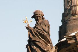 Socha naolomouckém sloupu Svaté trojice, která zarazila Marii Terezii