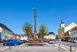 Morový sloup, Husovo náměstí, Lomnice nad Popelkou