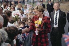 Princezna Diana během své návštěvy Kentu v roce 1990