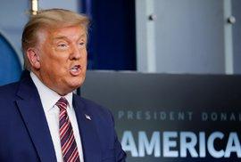 Americký prezident Donald Trump vystoupil před novináři, na dotazy neodpovídal (20. 11. 2020)