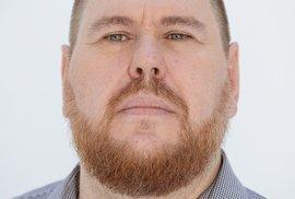 Vojtěch Gibiš pracuje v Televizi Seznam jako editor zpravodajství a publicistiky, o pandemii koronaviru psal od 20. ledna prakticky denně