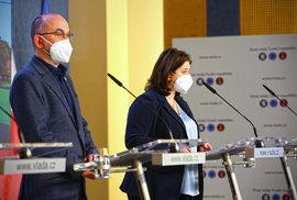 Tiskovka po jednání vlády: Ministr zdravotnictví Jan Blatný (za ANO) a ministryně Jana Maláčová (ČSSD)