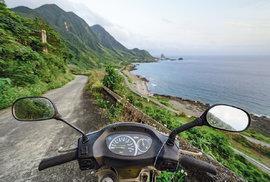 Tchaj-wanem na skútru: Cesta nádhernou přírodou východní části ostrova až k obratníku Raka