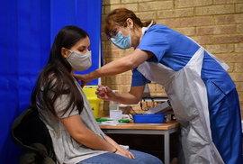 Koronavirus v Británii: Očkování proti koronaviru, (8.12.2020).