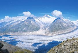 Poklidný pochod přes Aletschský ledovec ve švýcarských Alpách může být i adrenalinovým zážitkem
