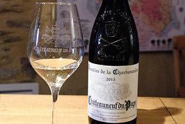 V Châteauneuf-du-Pape vznikají i bílá vína. Je jich asi dvacetina celkového množství.