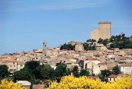 Městečko Châteauneuf-du-Pape