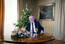 Prezident Miloš Zeman při vánočním poselství na zámku v Lánech. 26. 12. 2020