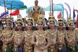 Ceremonie zahrnující tanec apsar zahajovala EXPO 2006 v Kambodži