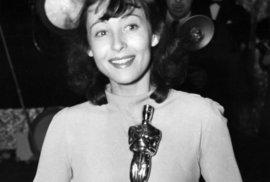 Luise Rainierová dostala Oscara za nejlepší ženskou hlavní roli ve filmu Dobrá země