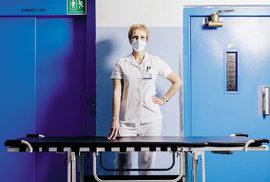 Proč umřel můj pacient aneb O čem přemýšlí lékaři, kteří se starají o lidi s těžkým průběhem covidu?