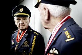 Generál Emil Boček, legendární pilot RAF: Letadla byla mým osudem. Na Spitfiru se létalo dobře, to byl kočár!