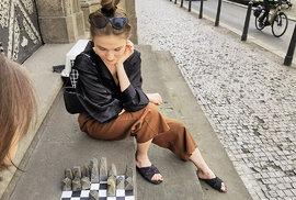 Co napadá Ondřeje Kobzu: Obrubník nebo popelnice jako venkovní kavárna
