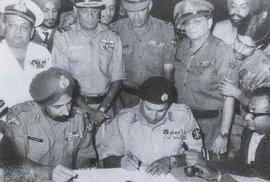 Před 50 lety vznikla v Indii bangladéšská exilová vláda. Co tomu předcházelo a co …