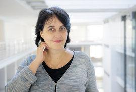 Za zrcadlem: Anna Pravdová, spoluautorka výstavy Toyen – Snící rebelka