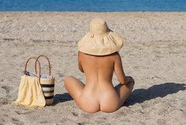 Nudapláže: známe autentické pláže s jemným pískem a nedotčenou přírodou