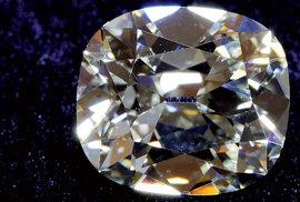 Diamanty: Věčné, nádherné i krvavé klenoty vzbuzující nekonečné vášně