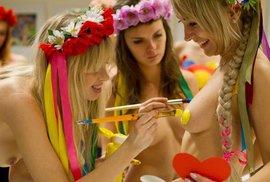 Holky z Ukrajiny slavily Valentýna nahoře bez