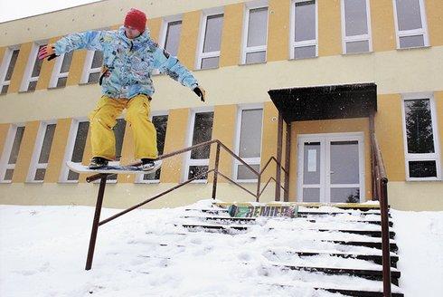 Zimní adrenalin se snowskatem