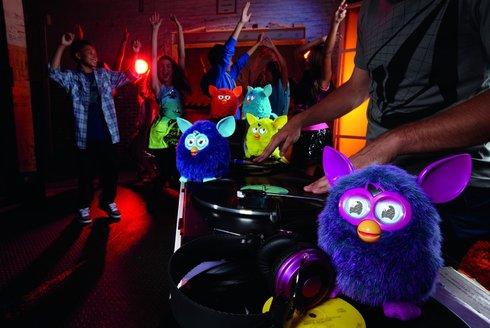 Furby č. 2: Robotický mazlíček se vrací
