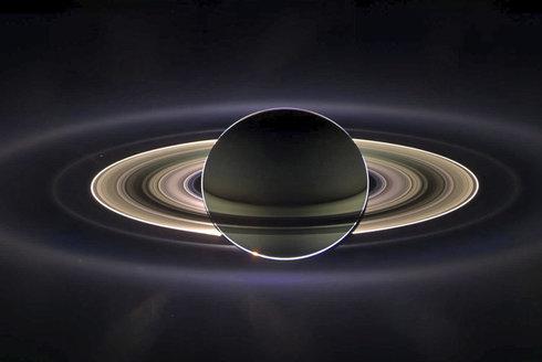 Podívejte se na Titan očima sondy Cassini