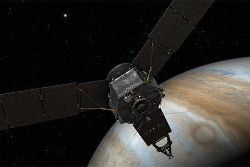 Dobrodružná cesta sondy Juno k Jupiteru: Vesmírný deník