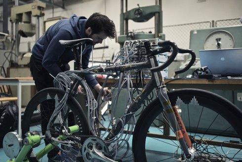 Cyklodílna Festka: Postavit kolo je věda!
