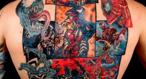 Nejlepší tetování: Spider-Man vs. Venom přes celé záda!