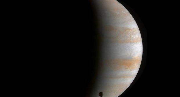 Lander pro Ganymedes: Dobudeme největší měsíc?