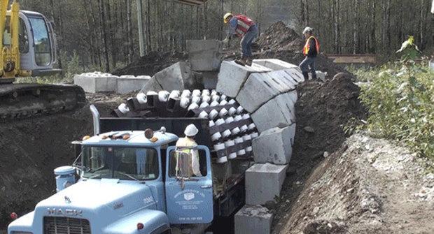To je stavba! Tunel zkonstruovaný jako LEGO? Drží!