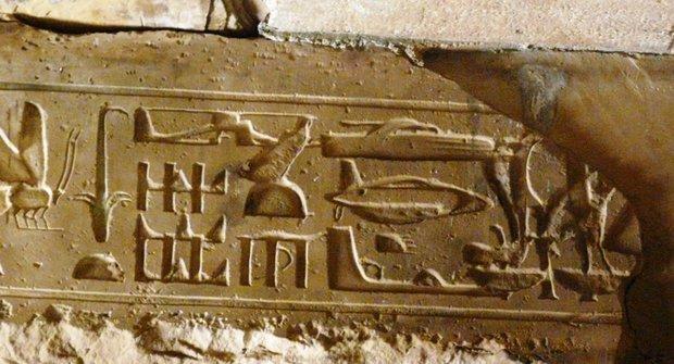 Záhada helikoptéry ze starého Egypta